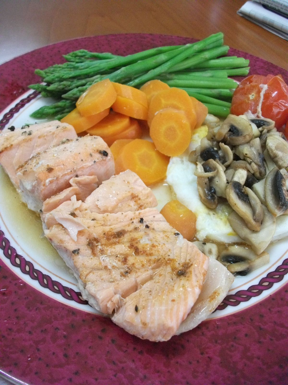 Recipe: Steamed Salmon and Veg